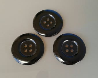 3 large round buttons 34 mm black