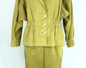 Tailored suede - buckskin - green suit skirt suit - suit Guy Laroche - vintage suit - lime green - size L - size 42