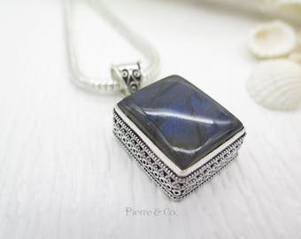 Antique Square shape Labradorite Sterling Silver Pendant and Chain