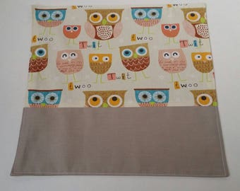 Customizable child table napkin, beige owls canteen towel.