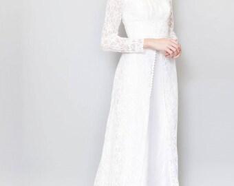 Vintage 1970's White Lace Daisy Trim Wedding Dress