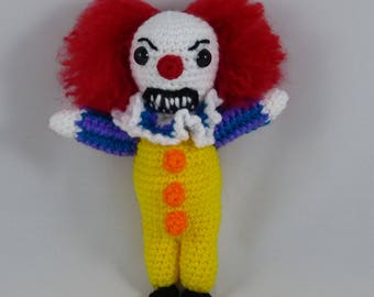 Crochet Penneywise from Stephen King's It (Tim Curry version)
