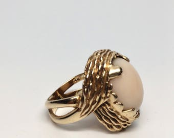 60's Nest Setting Angel Skin Coral 14K Gold Size 6