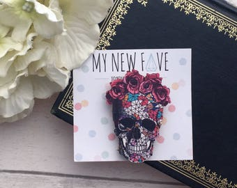 Skull Brooch, Day of the dead, skull accessory, skull gift, gifts for her, colourful Skull, Mexican Skull Brooch, Skull Badge
