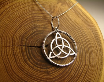 Triquetra pendant, Silver, Triquetra necklace, Triskele, Magic Jewelry, Celtic Knot, Trinity knot, Symbol, Wiccan jewelry, witches, pagan