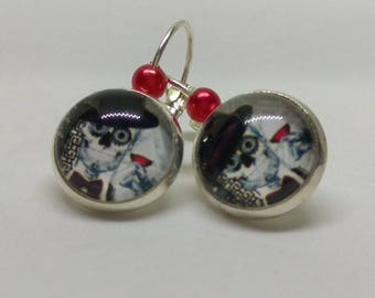 loop 925 Silver earrings, stylized skull cabochon