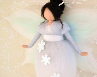 Fairy Waldorf, fairy Winter table, Asian Fairy, white and blue color Fairy, Waldorf classroom, wool fairy, fairy hanging, fairy Filetrada