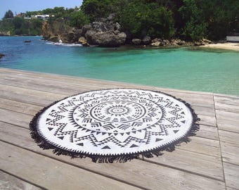 Round beach towel in real sponge