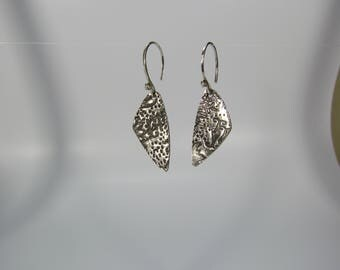 Item 4254 - Handcrafted Beautifully Lightweight Handcrafted Fine & Sterling Silver Textured Earrings with 925 Sterling Silver
