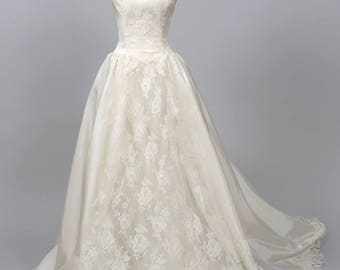 1970 High Neck lace Vintage Wedding  Gown