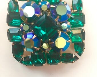 SALE Emerald Green Vintage Costume Jewelry Brooch