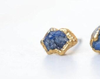 ONE raw Sapphire Earring, Blue Sapphire Earring, September Birthstone Earrings, Raw Crystal Earring, Rough Sapphire Earring, NOT A PAIR