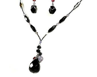 Black and Multicolor Agate and Crystal Beaded Teardrop Necklace