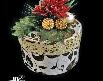 Paper Mache Jewelry Box with Gold Glitter, Red, Poinsettia, Festive, Green Leaves, Gold Balls, Shiny, Berries, Pine Needles, Round, Trinkets