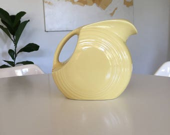 Fiesta Disc Pitcher in Pale Yellow Homer Laughlin
