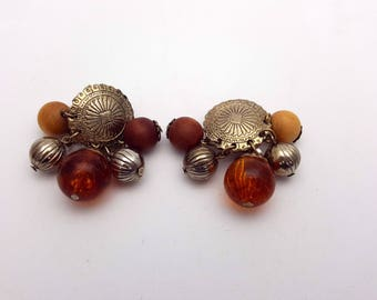 Vintage Clip on 80s Earrings Drop Amber and Silver Plastic Beads Primitive New Wave Industrial Modernist Modern Retro Fashion Runway