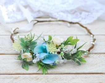 Light blue floral crown Wedding flower accessories Wedding hair wreath Bridesmaid flower crown Wedding flower crown Floral crown Flower halo