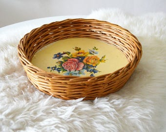 Vintage rattan basket tray with flowers DDR floral print round Wicker