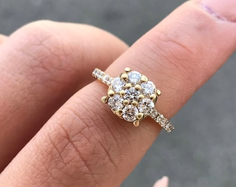 14kt Yellow Gold Prong Set Round Diamond Cluster Ring
