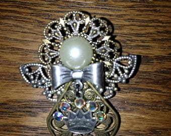 Angel Queen Brooch