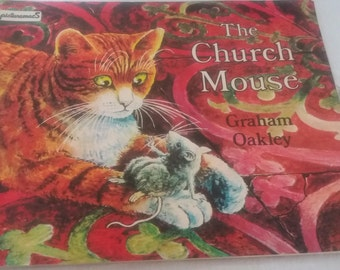 The Church mouse by Graham Oakley 1982