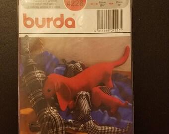 Sealed Burda Sewing Pattern 4226 Dachshund Weiner Dog Soft Toy Cloth Doll Animal 2 Sizes. Uncut.