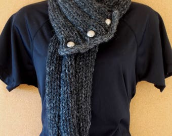 Grey scarf with buttons