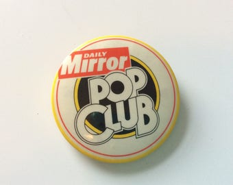 VINTAGE POP CLUB badge / Daily Mirror / newspaper club / music club / 80s / childhood / pin / button / membership