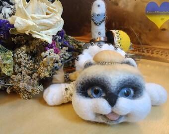 OOAK Cat Toy, Felt Cat, Needle Felt Cat, Wool Felt Cat, Miniature Cat, Needle Felted Kitty, Wool Cat, Tiny Cat, Stuffed Doll Cat Ring Holder