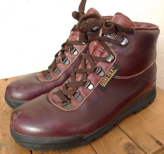 vintage vasque made in italy leather goretex hiking boots red. Black Bedroom Furniture Sets. Home Design Ideas