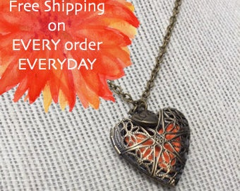 Oil Diffuser Heart with Love Pendant Necklace with Free Sample of doTerra Essential Oil