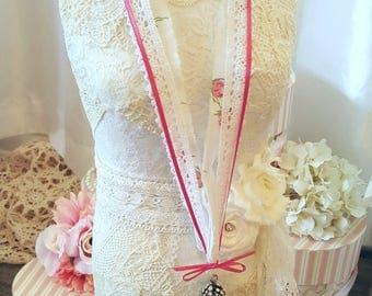 Romantic Lace Necklace - Charlotte