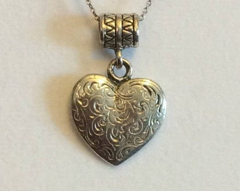 Pendant / hammered  / heart shaped / vintage / FREE SHIPPING
