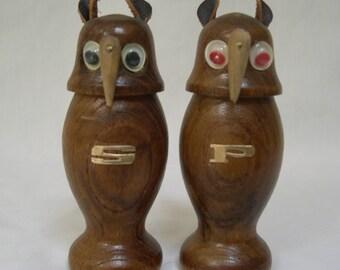 Vintage Owls Salt & Pepper Shaker Wooden Made in Japan 1960s