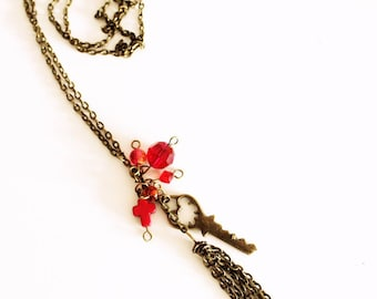 Red antique gold necklace