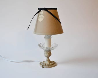Lamp has put patinated bronze gray beige style country chic
