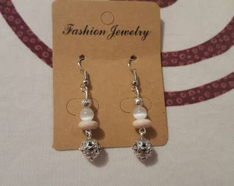 hook and Bell in silver, beige howlite and white glass Pearl Earrings