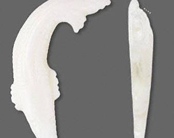 Focal, mother-of-pearl shell (natural), 40x12mm carved fish