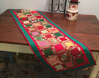 Quilted, pieced, Christmas, table runner
