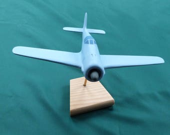 Model airplane made of solid wood ready to paint 1/48 FW 190
