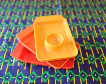 Set of 3 egg cups Vintage 70's Orange red yellow