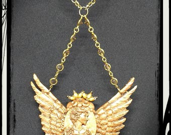 Winged Victorian Cameo Criss-Cross