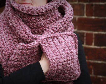 Extra Soft and Super Chunky Scarf with Pockets