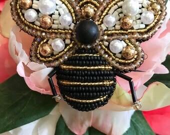 Bee beaded brooch handmade