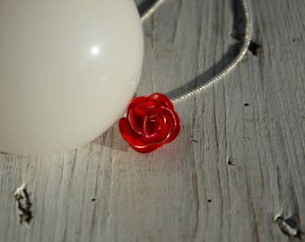 Red rose pendant