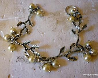 Branch Leaf Pearl Bracelet
