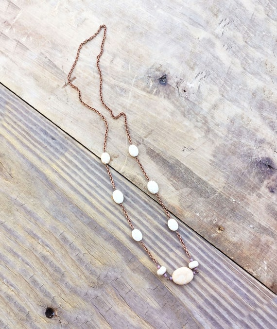 Chain Necklace with Oval Howlite Stones / Chic Necklace