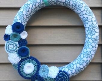 Winter Wreath - Hannukah wreath - Snowflake Wreath - Felt Flower Wreath - Christmas Wreath - Holiday Wreath -Winter Door Decor -Felt Flowers
