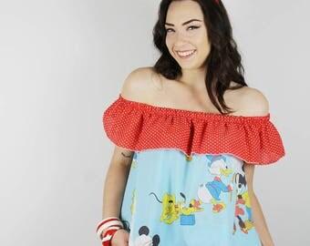 Off Shoulder DISNEY Top. Off Shoulder Mickey Mouse Shirt. Vintage Disney shirt. Vintage Disneyland top. Vintage Mickey shirt