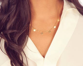 Boho Gift for Her, Dainty Gold Disc Necklace / Elegant Holiday Sister or Daughter Gift, Minimalist Bohemian Layering Coin Charm Necklace